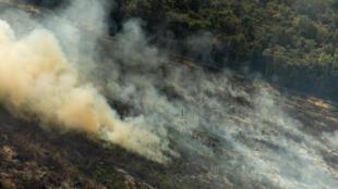 L'ONG Greenpeace a photograpihé des foyers d'incendie dans l'Etat du Mato Grosso au Brésil.