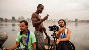 """Imagem de rodagem do documentário """"Kuduro"""" de Mário Patrocínio, do blog Cinematograficamentefalando com a devida vénia"""