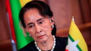 A ex-líder birmanesa Aung San Suu Kyi, está presa desde 1° de fevereiro, quando foi deposta pela junta militar. Imagem de arquivo.