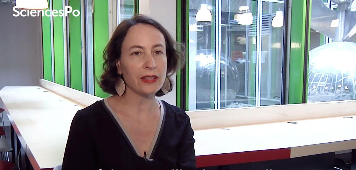 A pesquisadora Jeanne Lazarus, da Sciences Po, é especialista em sociologia do dinheiro.
