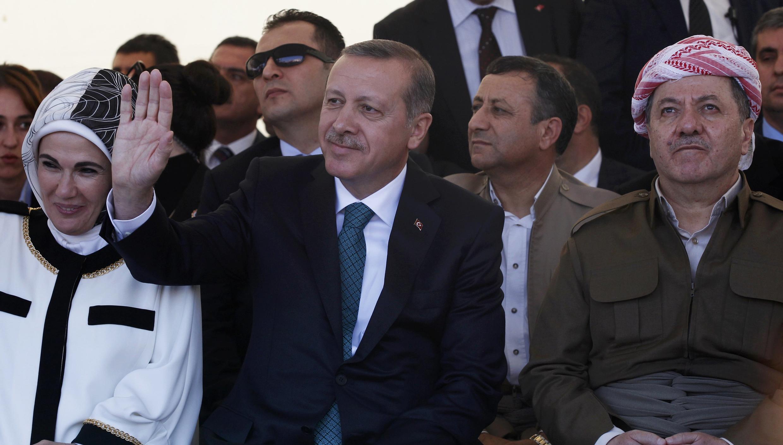 Turkey's Prime Minister Erdogan with President of Iraqi Kurdistan Barzani in Diyarbakir, 16 November, 2013