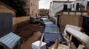 Ruas do município de Sant Llorenc de Cardassar, em Palma de Maiorca, após fortes inundações, 10/10/2018