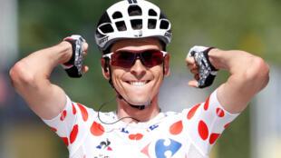 Warren Barguil de l'équipe Sunweb, remporte la 13ème étape du Tour de France entre Saint-Girons et Foix, ce vendredi 14 juillet 2017.