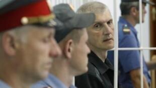Платон Лебедев в Вельском районном суде Архангельской области, 26 июля 2011
