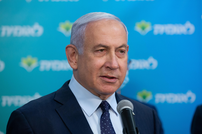 El primer ministro israelí Benjamin Netanyahu en un acto de vacunación de la persona número 4 millones en ser vacunada en Jerusalén, el 16 de febrero de 2021