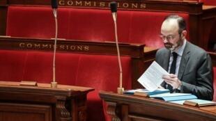 Edouard Philippe na Assembleia francesa no 25 de fevereiro.