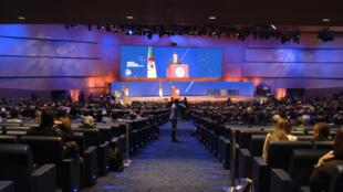 Lors du premier forum d'investissement et d'affaires en Afrique organisé à Alger, le 3 décembre 2016.