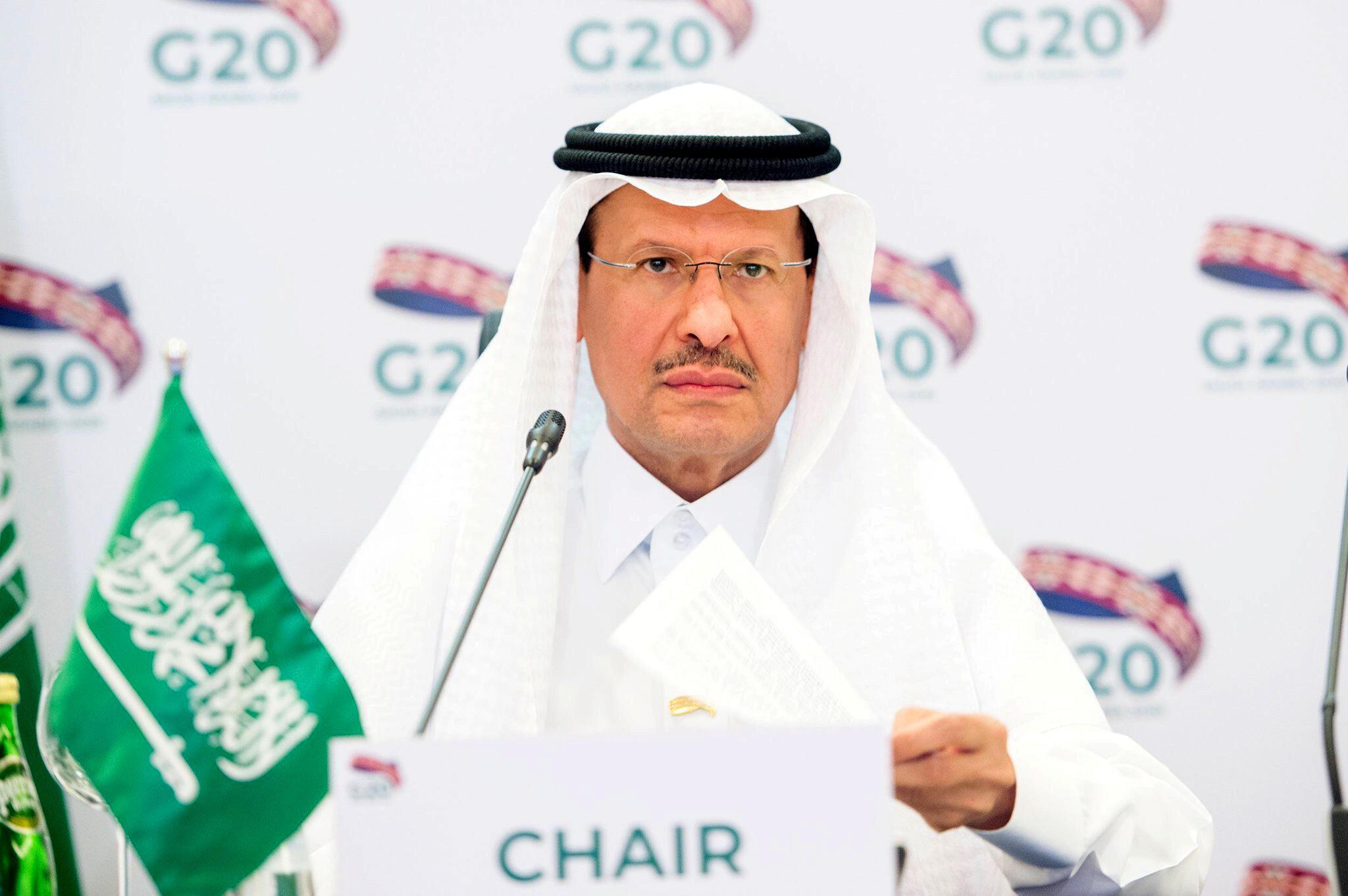 2020-04-10T164349Z_1318941658_RC2S1G9H25PH_RTRMADP_3_GLOBAL-OIL-G20-ENERGY
