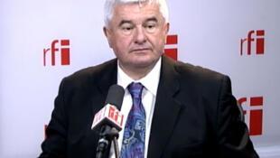 Eric Raoult, député maire UMP du Raincy.