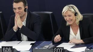 La présidente du FN Marine Le Pen aux côtés du vice-président du parti, Florian Philippot, le 19 mai dernier au Parlement européen.