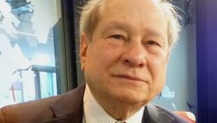 El lingüista argentino Helios Jaime ne los estudios de RFI