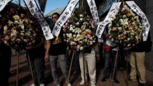 香港民眾悼念溫州動車追尾事故受害者2011年7月31。
