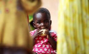 Des Malgaches participent à un programme de distribution alimentaire du PAM dans le sud de Madagascar. (image d'illustration)