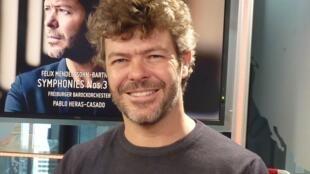 Pablo Heras Casado en los estudios de RFI