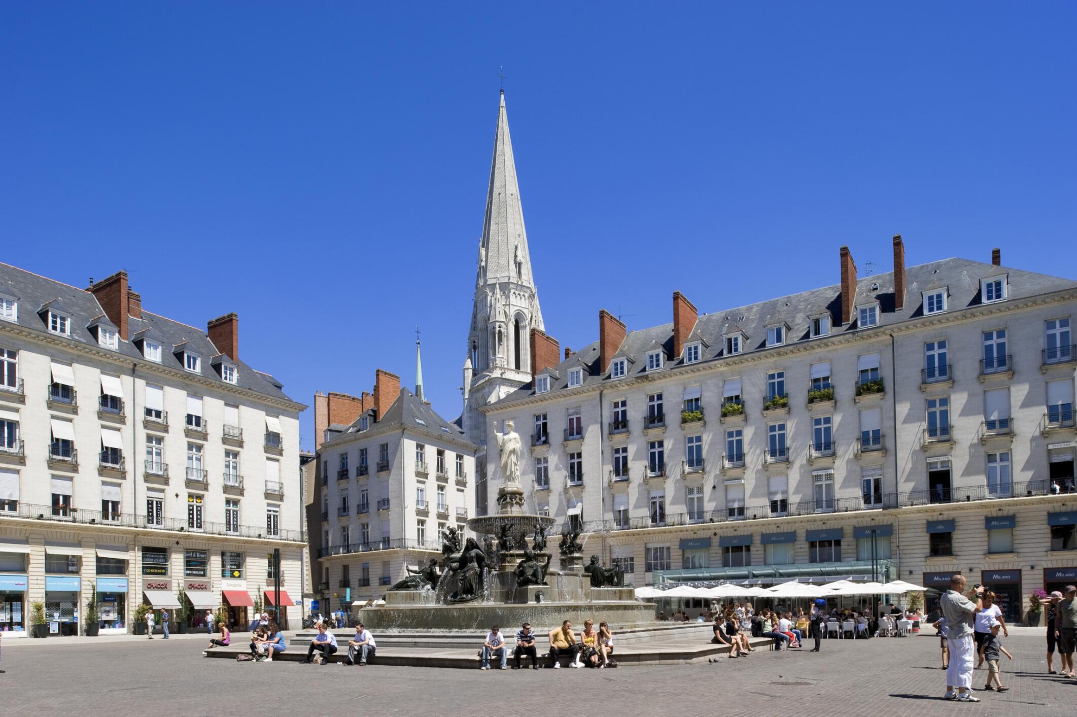 """La """"Place Royale"""" (plaza real), ubicada en el corazón de la ciudad."""