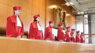 Les juges de la Cour constitutionnelle allemande ont censuré mardi 5 novembre un volet majeur des réformes nationales du marché du travail de 2005.