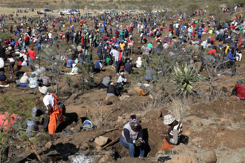Les autorités ont annoncé que les supposés diamants sont en fait du quartz au KwaZulu-Natal, en Afrique du Sud.