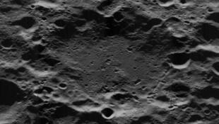 H_G_Wells_crater_5163_med