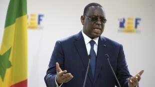 Rais wa Senegal, Macky Sall, hapa akiwa jijini Paris, Ufaransa. 27 Agosti 2020.