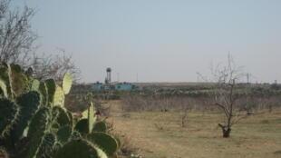 La frontière entre l'Egypte et la Bande de Gaza. Le mirador est égyptien.