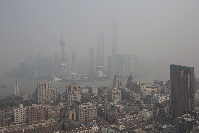 Ô nhiễm tại khu tài chính Pudong, Thượng Hải, 18/03/2014.