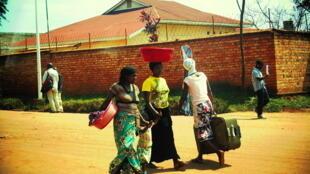 Улицы Кигали, столицы Руанды. 23 июня 2014 год