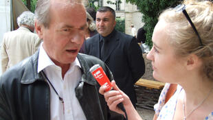 Martin Amis and Molly Guinness