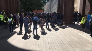 Более тысячи человек задержали на акции в центре Москвы