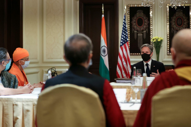 美國國務卿布林肯在印度會見印度民間社會領導人,其中包括一名達賴喇嘛代表