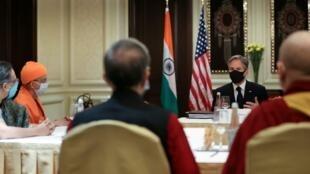 美国国务卿布林肯在印度会见印度民间社会领导人,其中包括一名达赖喇嘛代表