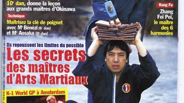 Trên trang bìa một tạp chí Pháp.