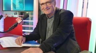 Jean-Pierre Castellani en los estudios de RFI
