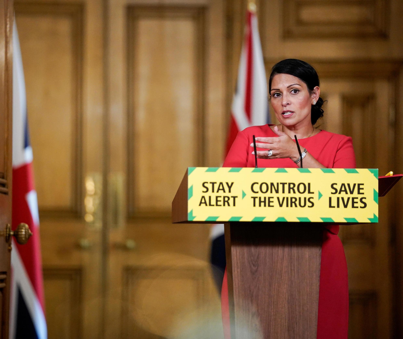La ministre de l'Intérieur britannique Priti Patel au 10 Downing Street le 22 mai 2020.