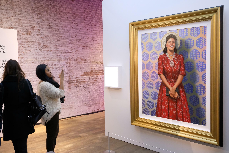 Un cuadro que representa a Henrietta Lacks, expuesto en Nueva York el 6 de abril de 2017