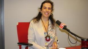 بریژیت ادس در استودیو بخش فارسی رادیو بینالمللی فرانسه