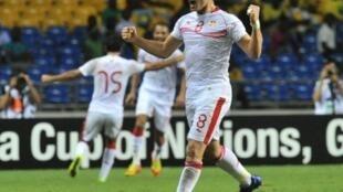 Khaled Korbi festeja primeiro golo da Tunísia frente ao Marrocos.
