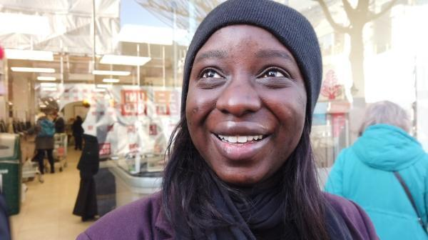 Mariama, a French woman, came from Paris and works in London as a marketing manager.