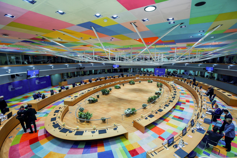 La mesa de reunión de los líderes de la Unión Europea en la segunda jornada de la cumbre, el 25 de mayo de 2021 en Bruselas
