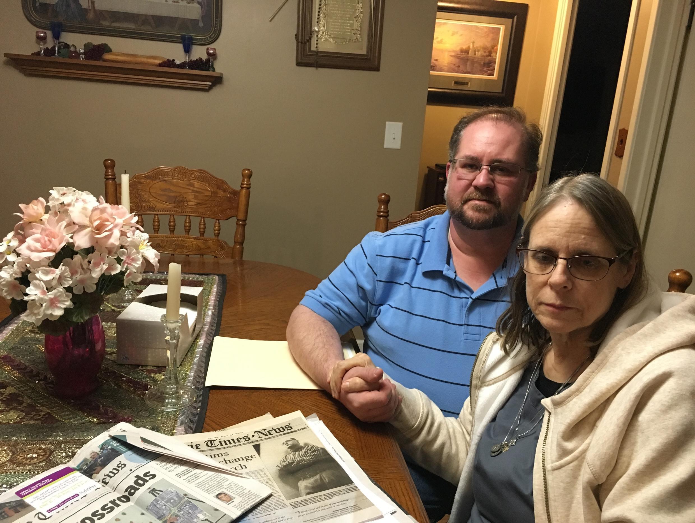 Patty Theisset et son mari. Victime dans son enfance d'abus sexuels par un prêtre, elle vient tout juste de se décider à parler