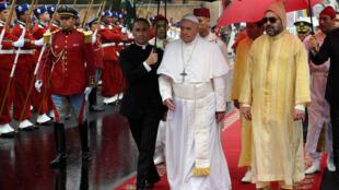 Fafaroma Francis tareda rakiyar Sarkin Morocco Mohammed na shida