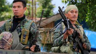 Binh sĩ Philippines tại làng Pantar, Lanao Del Norte, ngày 21/06/2017