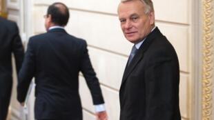 Après l'intervention télévisée de François Hollande, Jean-Marc assure les arrières du président.