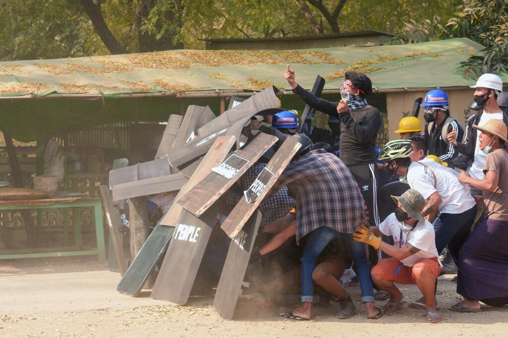 Manifestants Birmanie Coup d'Etat Bagan