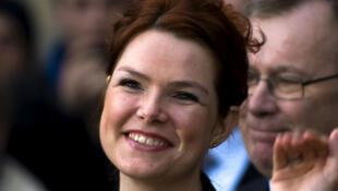 A Ministra da Integração da Dinamarca, Inger Støjberg, que apóia as medidas do governo de direita de seu país no sentido de reduzir pela metade os benefícios sociais para refugiados.