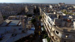 Vista aérea de un barrio de Idlib controlado por milicias opuestas al gobierno de Bashar al-Asad (junio de 2017).
