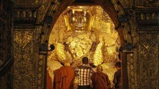 En Birmanie, pays à majorité bouddhiste, le blasphème est sévèrement réprimé. (Photo: temple de Mandalay, deuxième ville birmane).