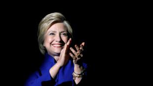 La candidate à la primaire démocrate Hillary Clinton, lors d'une soirée de soutien au Greek Theatre de Los Angeles, le 6 juin 2016.