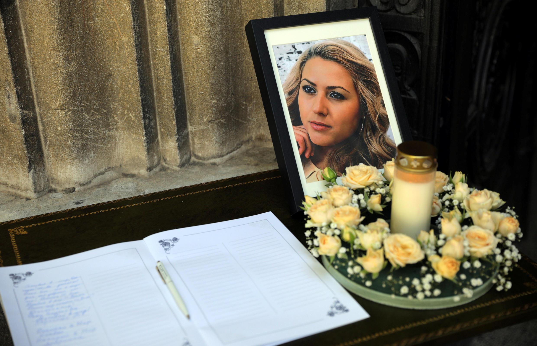 Funeral da jornalista búlgara Viktoria Marinova na Bulgária, em 12 de outubro de 2018.