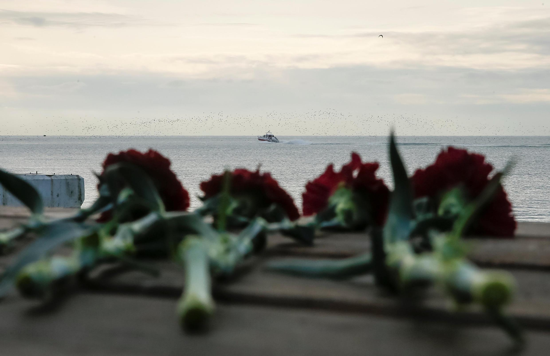 26 декабря объявлен в России днем траура по погибшим в авиакатастрофе.