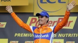 Luis Léon Sanchez, vainqueur de la prelière étape des Pyrénées à Foix, le 15 juillet 2012.